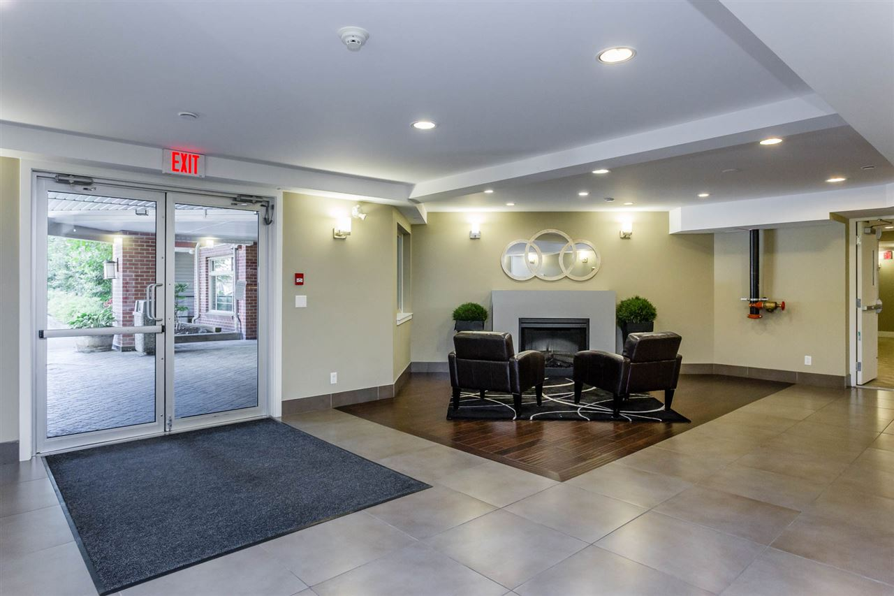 Condo Apartment at 306 2233 MCKENZIE ROAD, Unit 306, Abbotsford, British Columbia. Image 16