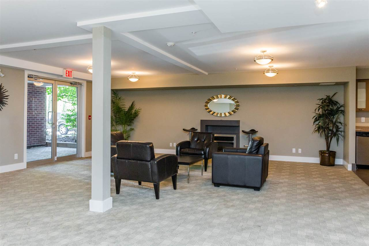 Condo Apartment at 306 2233 MCKENZIE ROAD, Unit 306, Abbotsford, British Columbia. Image 17