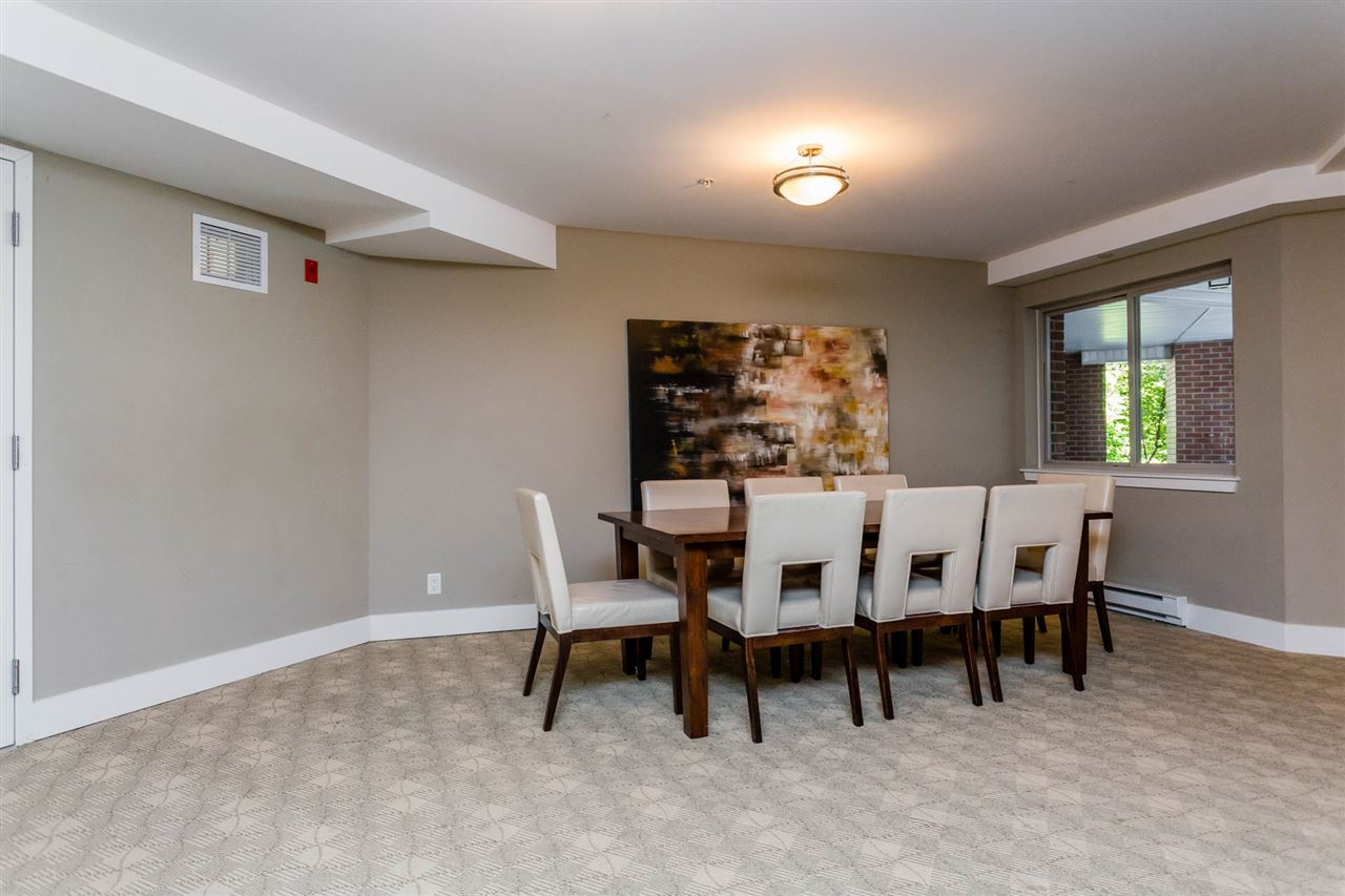 Condo Apartment at 306 2233 MCKENZIE ROAD, Unit 306, Abbotsford, British Columbia. Image 19