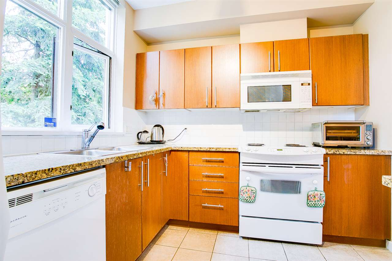 Townhouse at TH5 2088 MADISON AVENUE, Unit TH5, Burnaby North, British Columbia. Image 6
