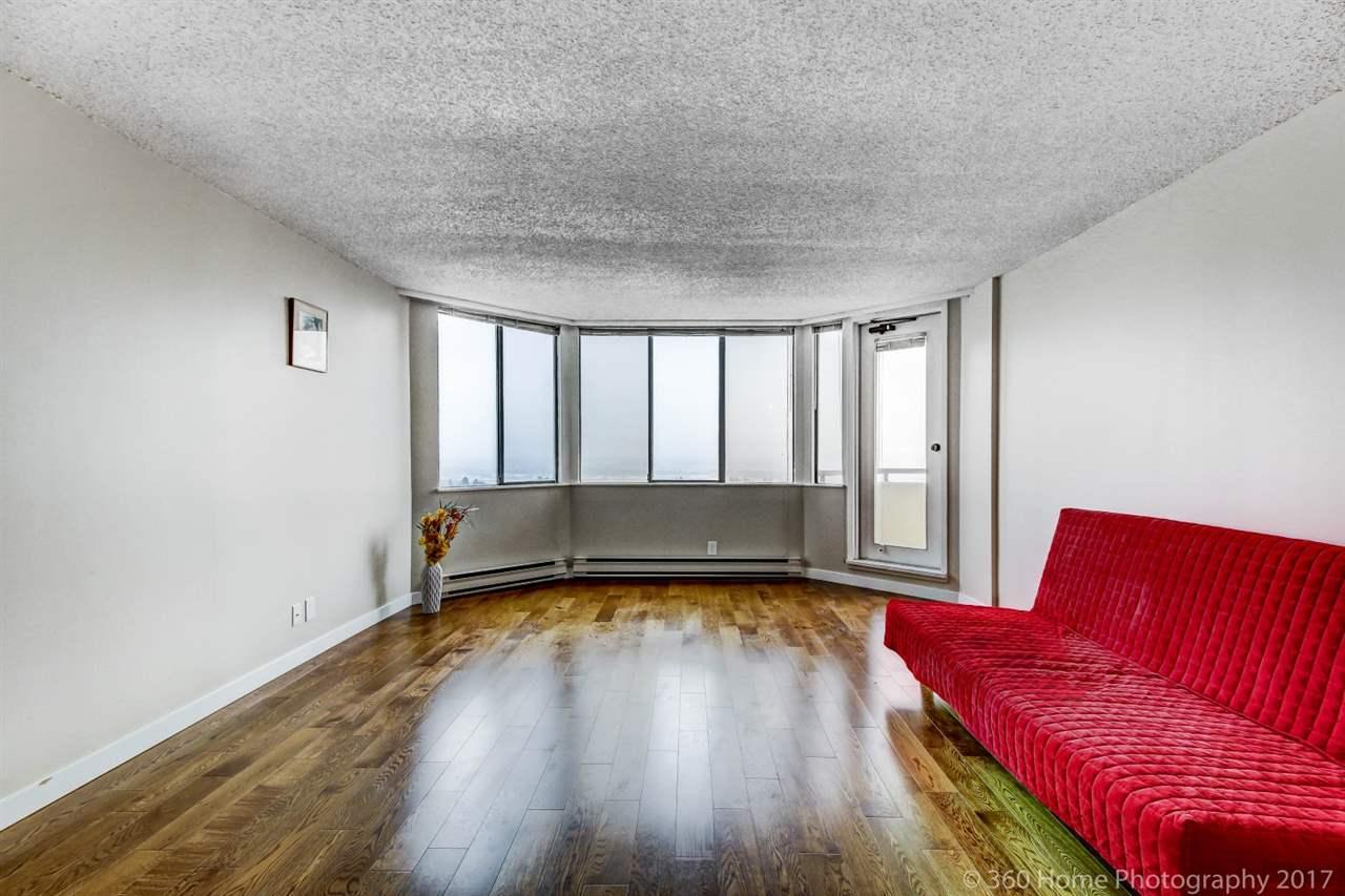 Condo Apartment at 2304 6540 BURLINGTON AVENUE, Unit 2304, Burnaby South, British Columbia. Image 6
