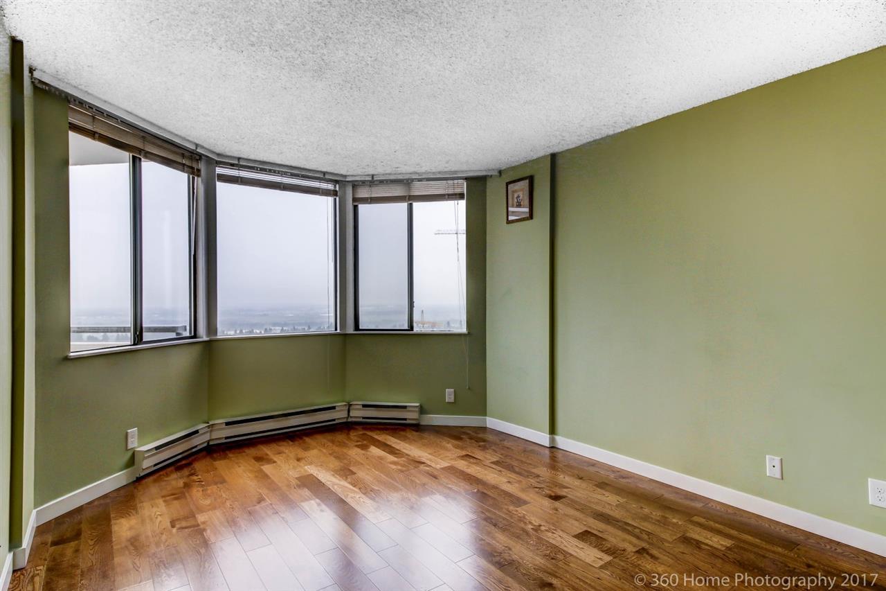 Condo Apartment at 2304 6540 BURLINGTON AVENUE, Unit 2304, Burnaby South, British Columbia. Image 9