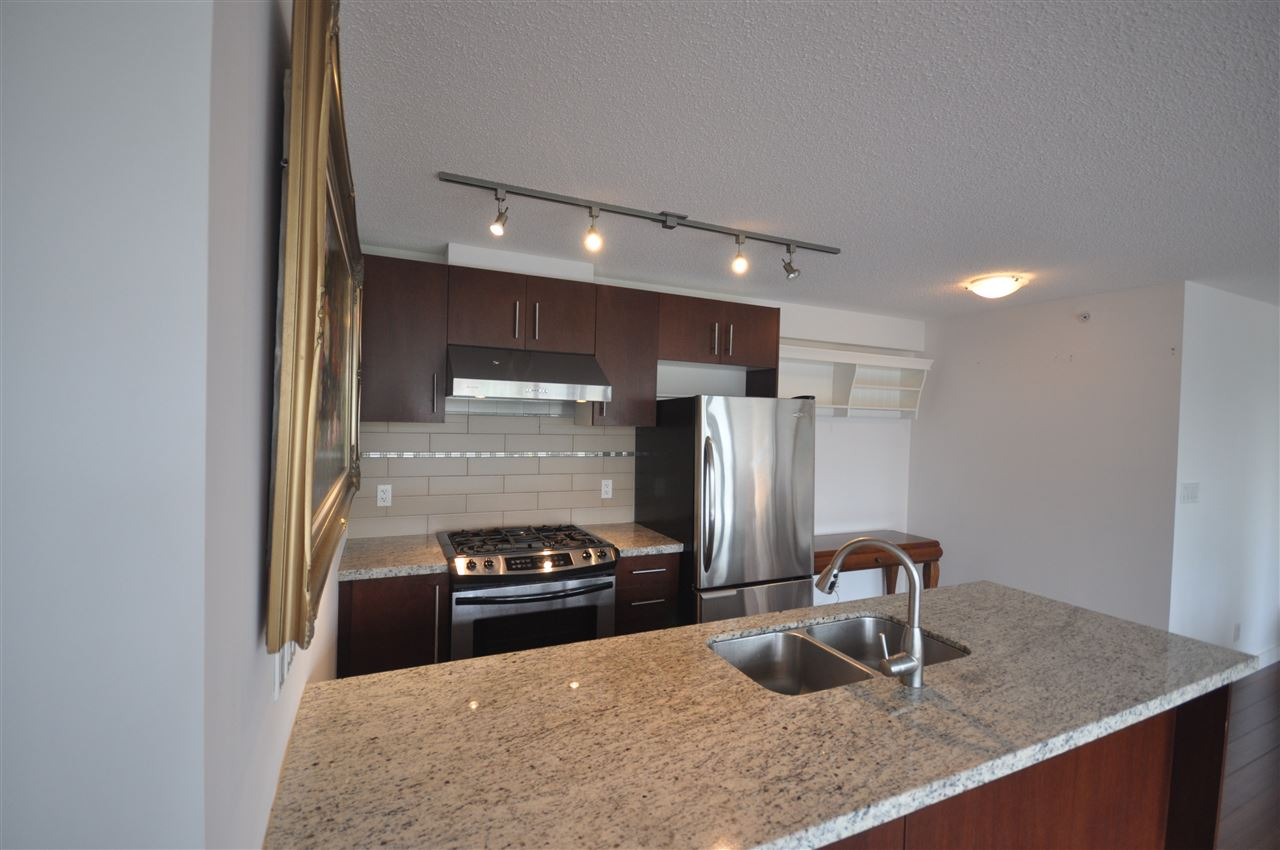 Condo Apartment at 704 8288 LANSDOWNE ROAD, Unit 704, Richmond, British Columbia. Image 3