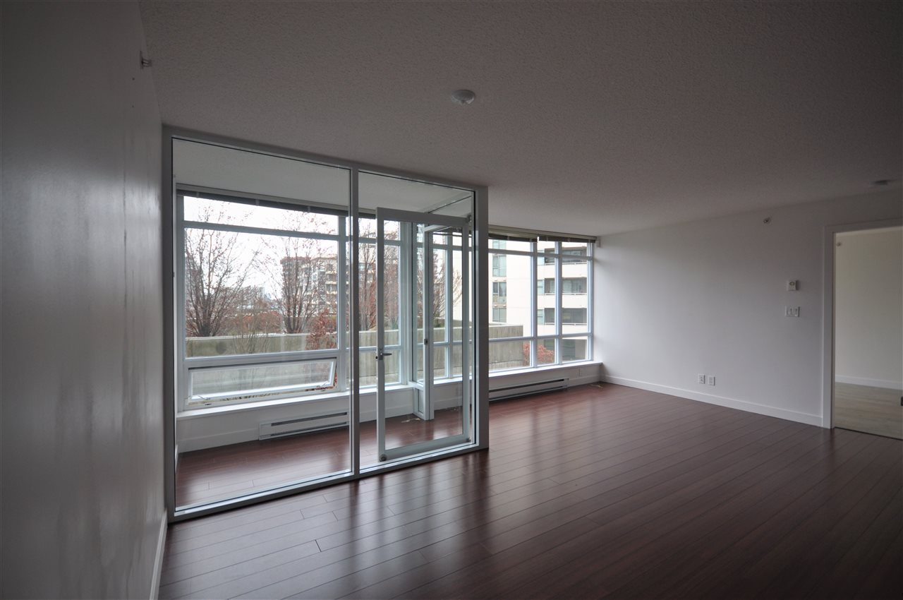 Condo Apartment at 704 8288 LANSDOWNE ROAD, Unit 704, Richmond, British Columbia. Image 5