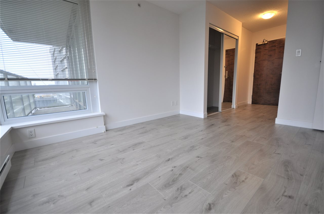 Condo Apartment at 704 8288 LANSDOWNE ROAD, Unit 704, Richmond, British Columbia. Image 7