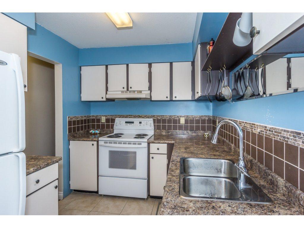 Condo Apartment at 316 10530 154 STREET, Unit 316, North Surrey, British Columbia. Image 11