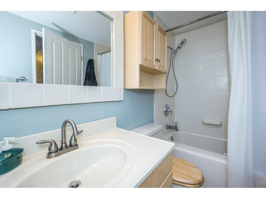 Condo Apartment at 316 10530 154 STREET, Unit 316, North Surrey, British Columbia. Image 18