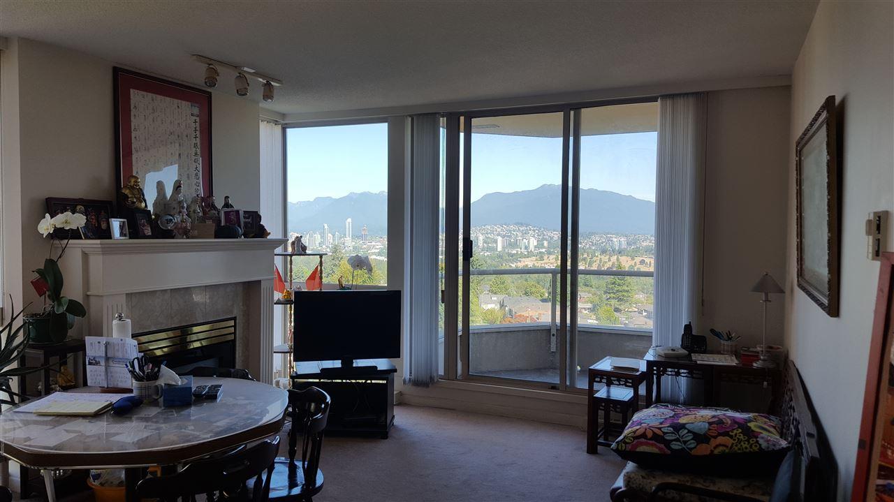 Condo Apartment at 806 4689 HAZEL STREET, Unit 806, Burnaby South, British Columbia. Image 6
