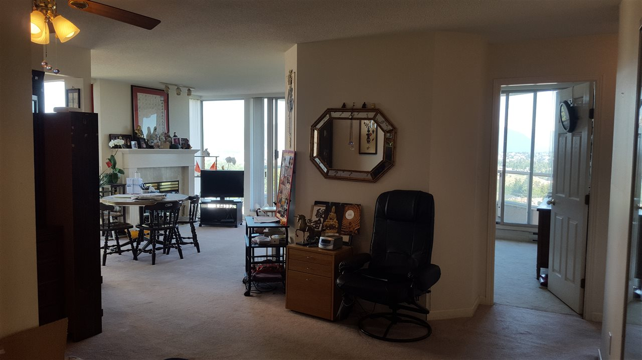Condo Apartment at 806 4689 HAZEL STREET, Unit 806, Burnaby South, British Columbia. Image 8