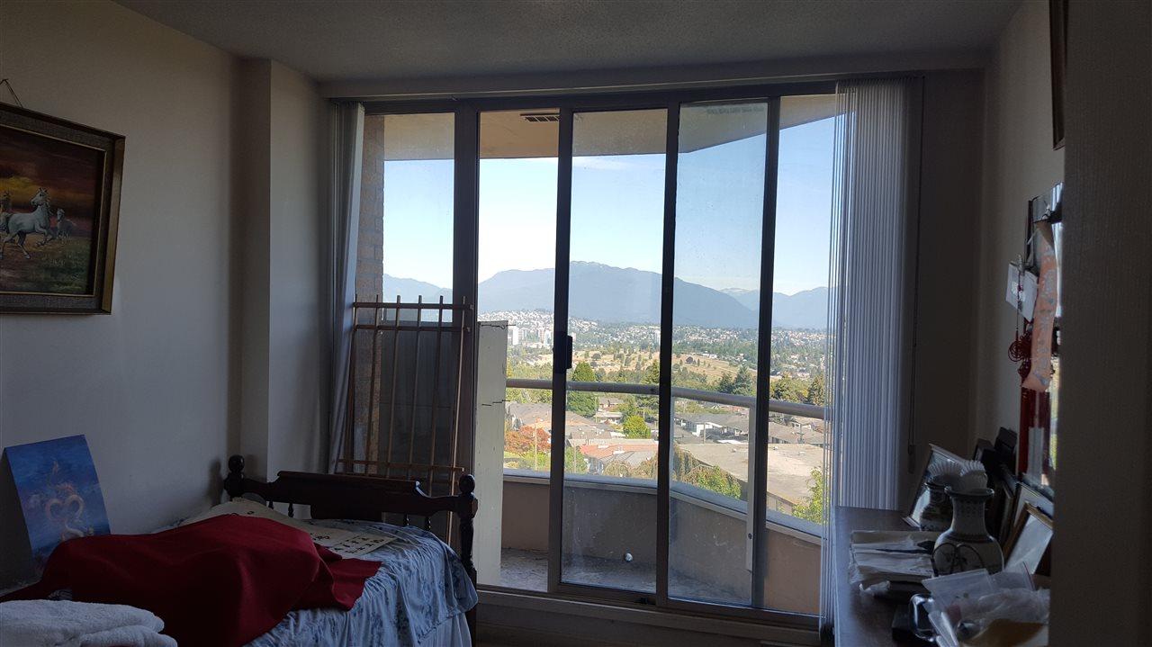 Condo Apartment at 806 4689 HAZEL STREET, Unit 806, Burnaby South, British Columbia. Image 12