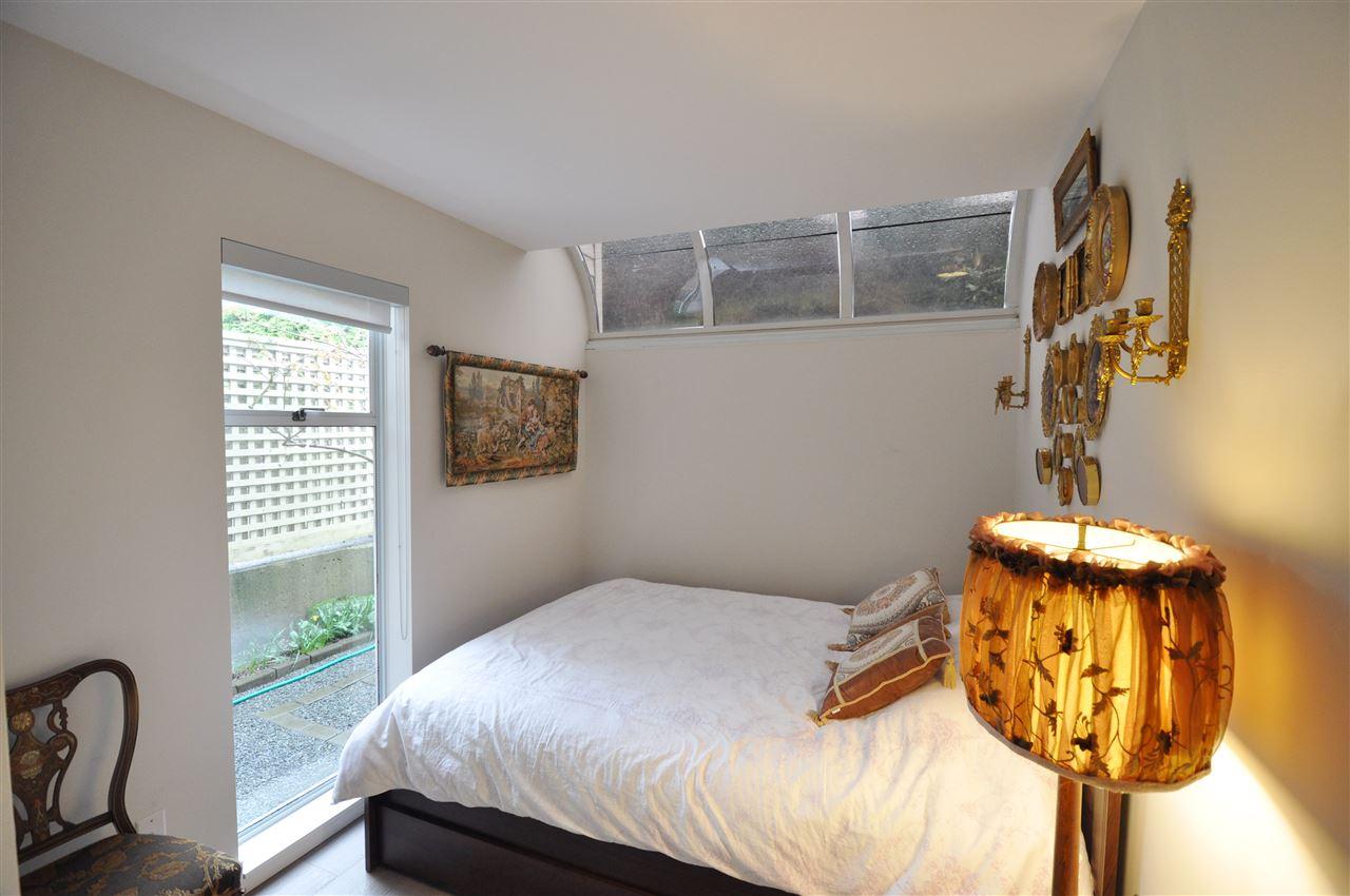 Condo Apartment at 111 2274 FOLKESTONE WAY, Unit 111, West Vancouver, British Columbia. Image 16