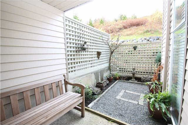 Condo Apartment at 111 2274 FOLKESTONE WAY, Unit 111, West Vancouver, British Columbia. Image 17