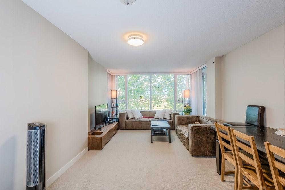 Condo Apartment at 305 9171 FERNDALE ROAD, Unit 305, Richmond, British Columbia. Image 4