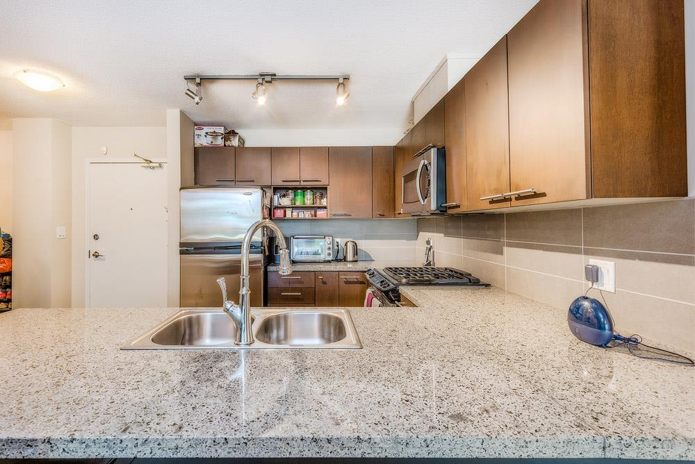 Condo Apartment at 305 9171 FERNDALE ROAD, Unit 305, Richmond, British Columbia. Image 7