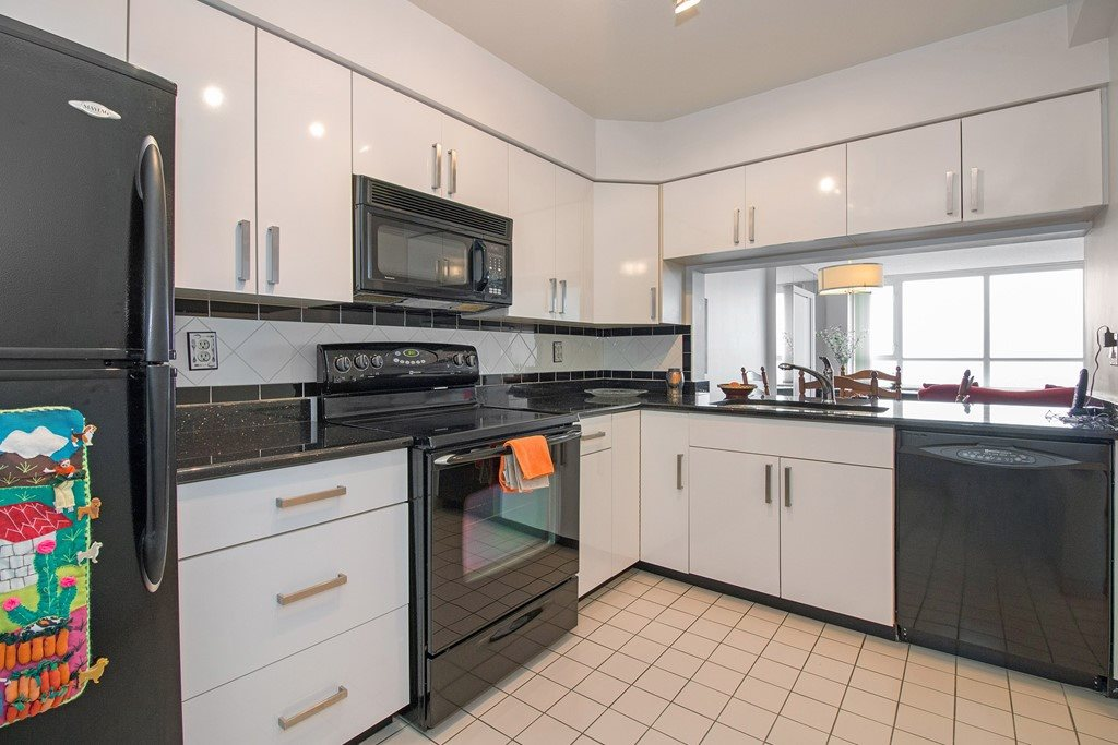 Condo Apartment at 1904 6055 NELSON AVENUE, Unit 1904, Burnaby South, British Columbia. Image 8