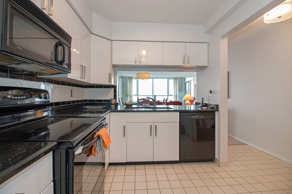 Condo Apartment at 1904 6055 NELSON AVENUE, Unit 1904, Burnaby South, British Columbia. Image 9
