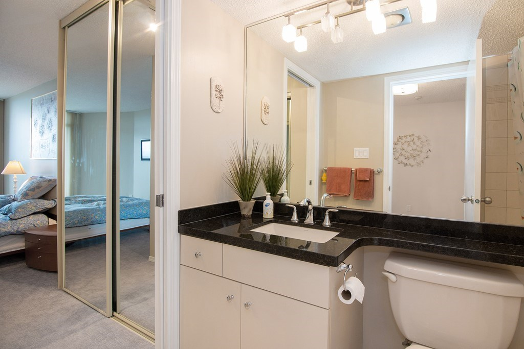 Condo Apartment at 1904 6055 NELSON AVENUE, Unit 1904, Burnaby South, British Columbia. Image 12