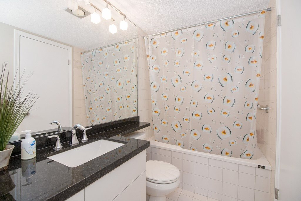 Condo Apartment at 1904 6055 NELSON AVENUE, Unit 1904, Burnaby South, British Columbia. Image 13