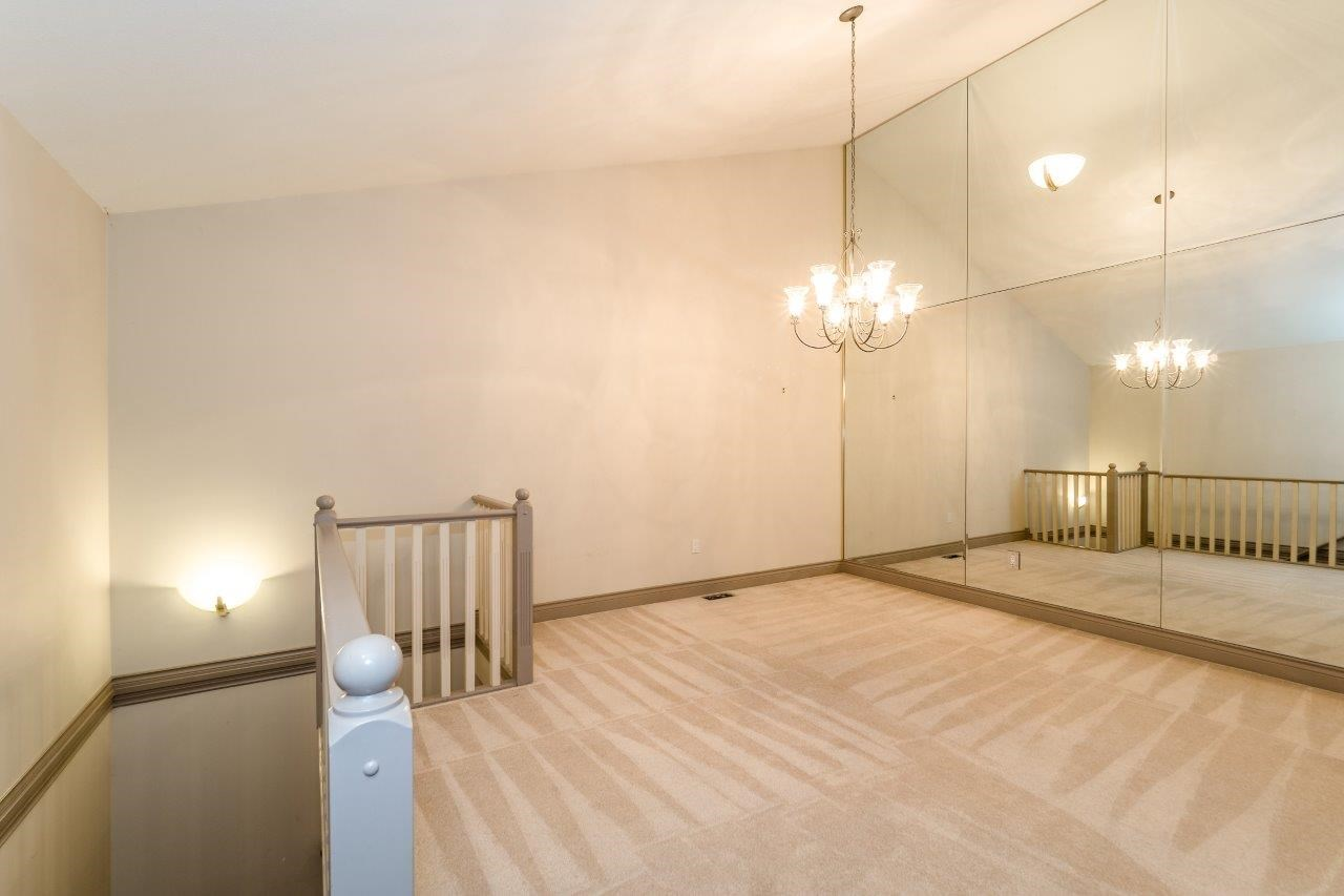 Townhouse at 1053 STRATHAVEN DRIVE, North Vancouver, British Columbia. Image 4