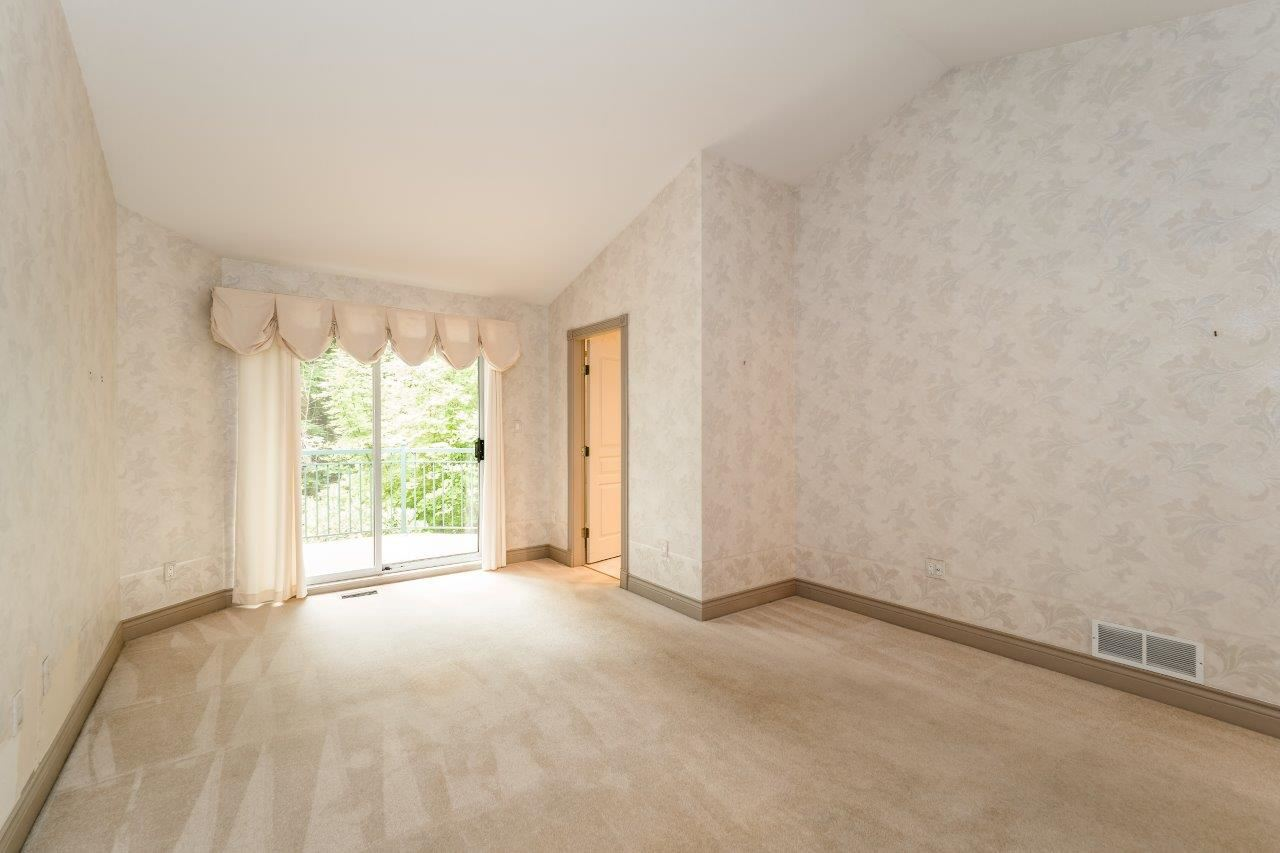 Townhouse at 1053 STRATHAVEN DRIVE, North Vancouver, British Columbia. Image 6