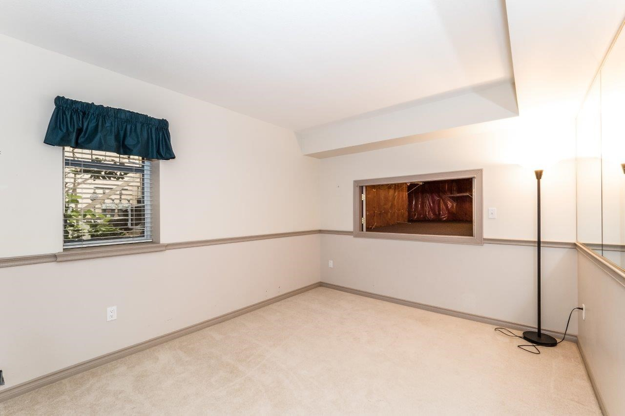Townhouse at 1053 STRATHAVEN DRIVE, North Vancouver, British Columbia. Image 12
