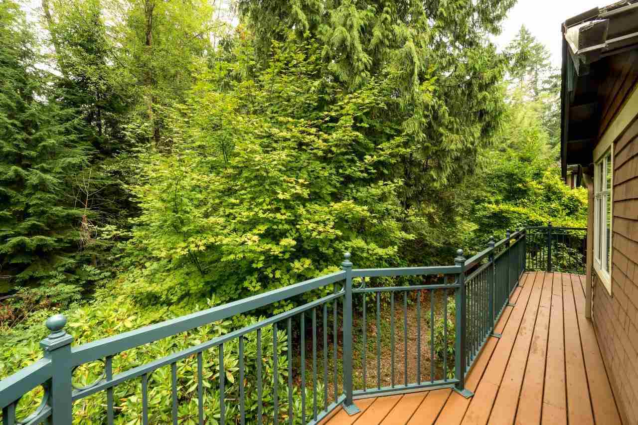 Townhouse at 1053 STRATHAVEN DRIVE, North Vancouver, British Columbia. Image 14