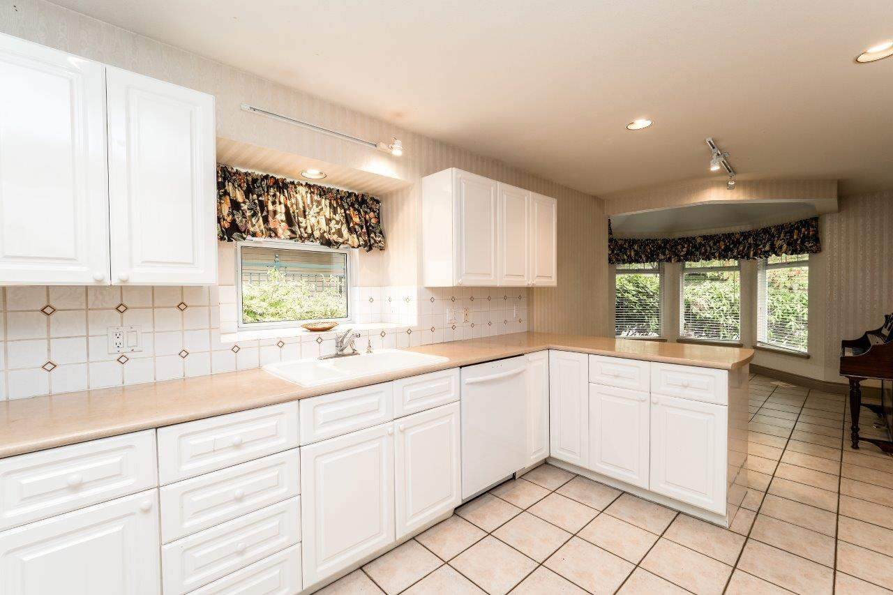 Townhouse at 1053 STRATHAVEN DRIVE, North Vancouver, British Columbia. Image 15