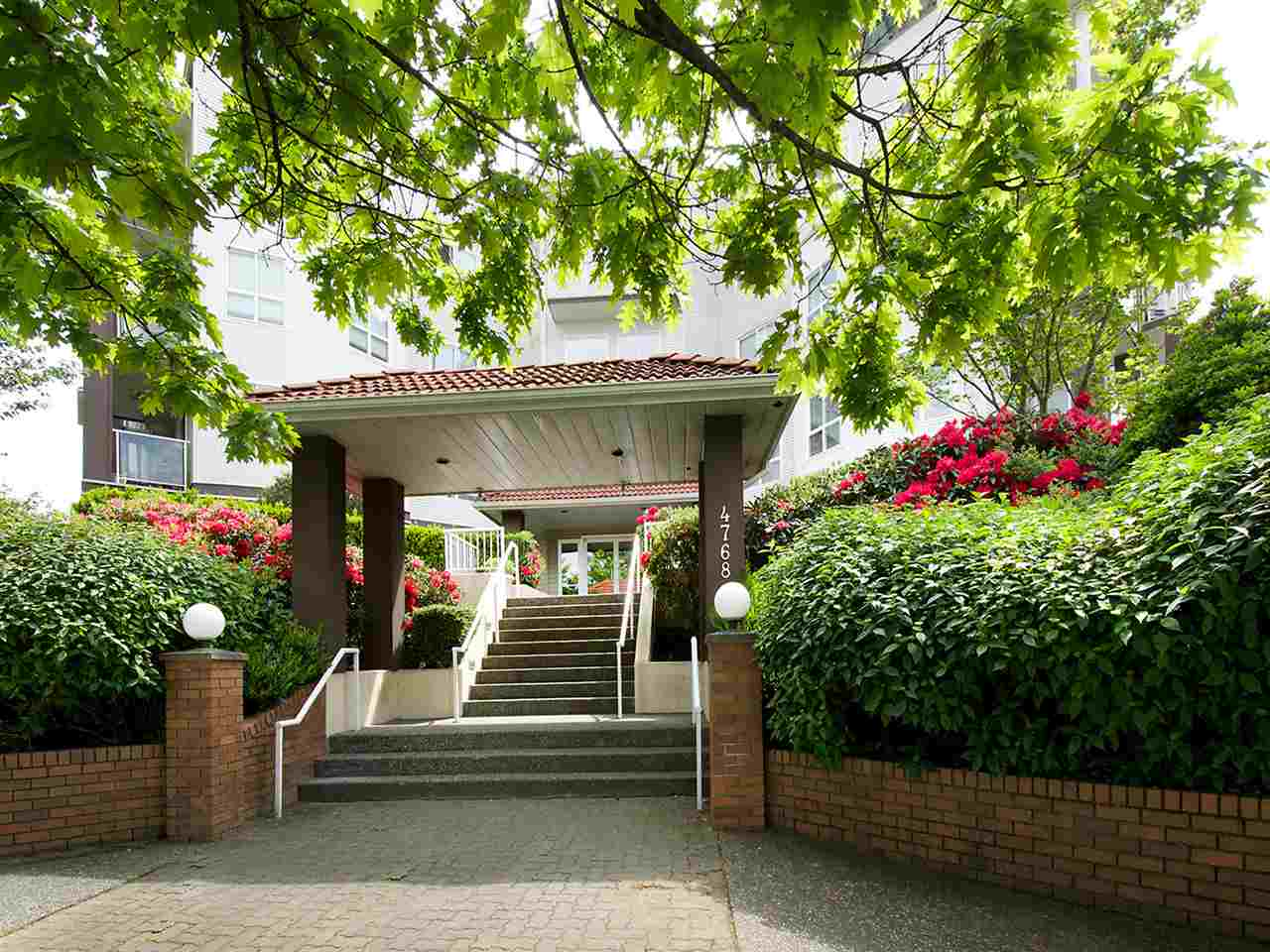 Condo Apartment at 203 4768 53 STREET, Unit 203, Ladner, British Columbia. Image 1