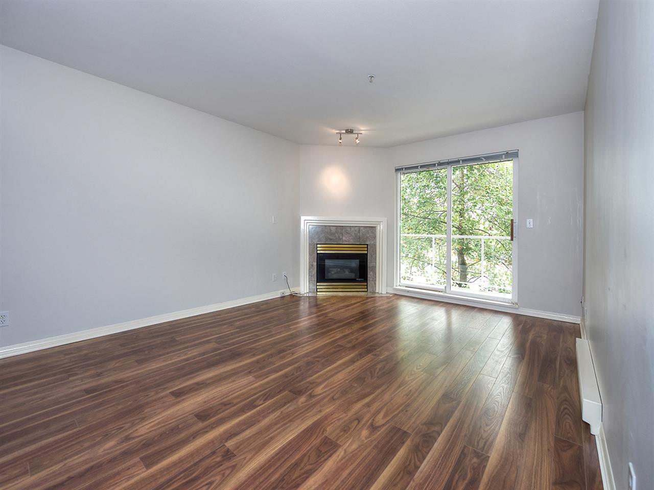 Condo Apartment at 203 4768 53 STREET, Unit 203, Ladner, British Columbia. Image 2