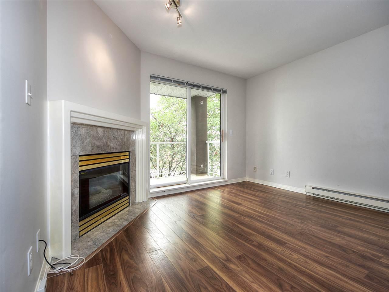 Condo Apartment at 203 4768 53 STREET, Unit 203, Ladner, British Columbia. Image 3