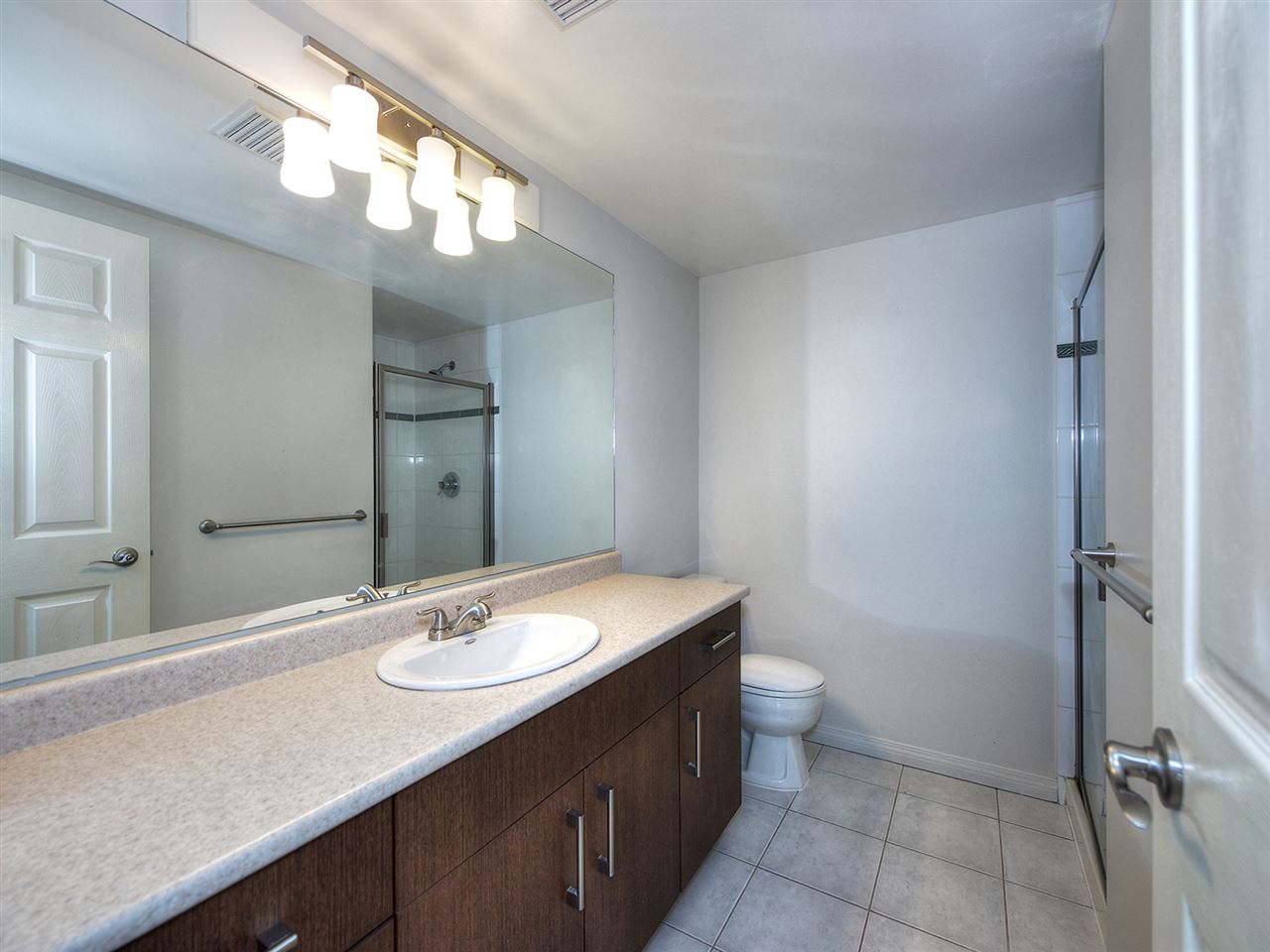 Condo Apartment at 203 4768 53 STREET, Unit 203, Ladner, British Columbia. Image 12