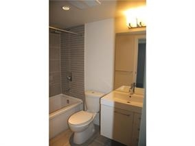 Condo Apartment at 1907 668 COLUMBIA STREET, Unit 1907, New Westminster, British Columbia. Image 5