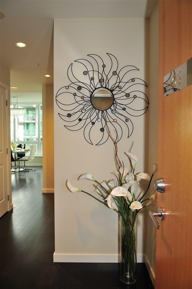 Condo Apartment at 1105 5728 BERTON AVENUE, Unit 1105, Vancouver West, British Columbia. Image 2