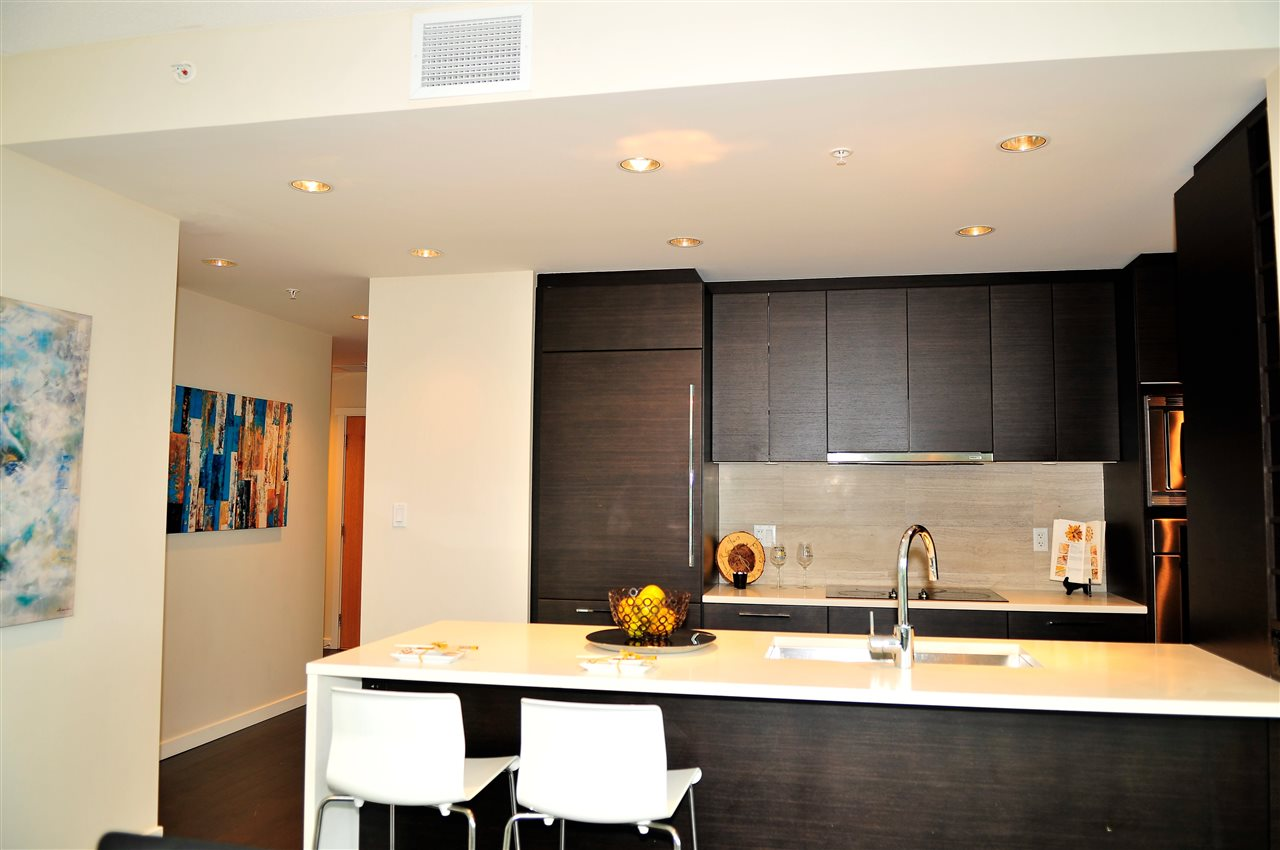 Condo Apartment at 1105 5728 BERTON AVENUE, Unit 1105, Vancouver West, British Columbia. Image 5