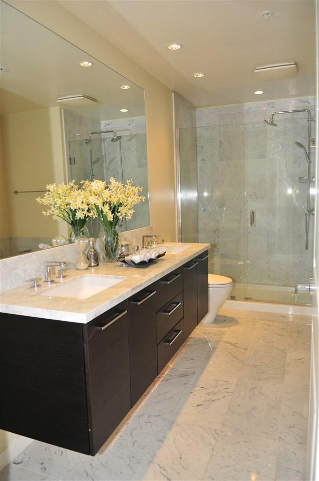 Condo Apartment at 1105 5728 BERTON AVENUE, Unit 1105, Vancouver West, British Columbia. Image 9