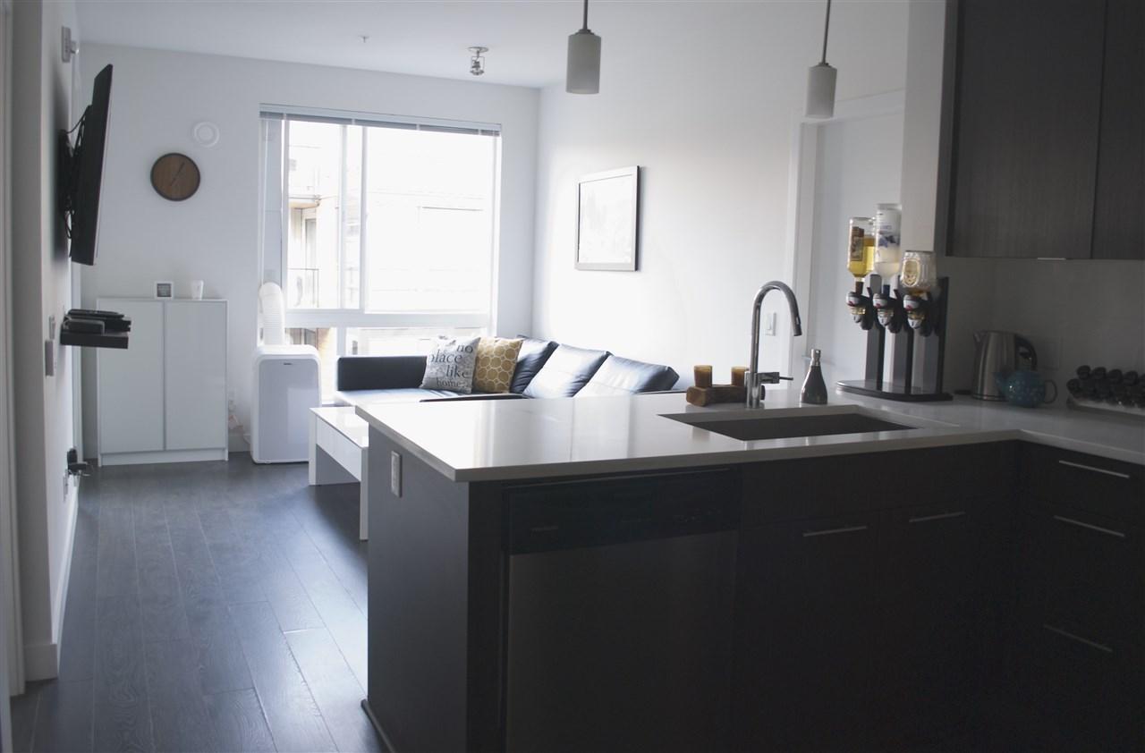 Condo Apartment at 517 733 W 3RD STREET, Unit 517, North Vancouver, British Columbia. Image 2