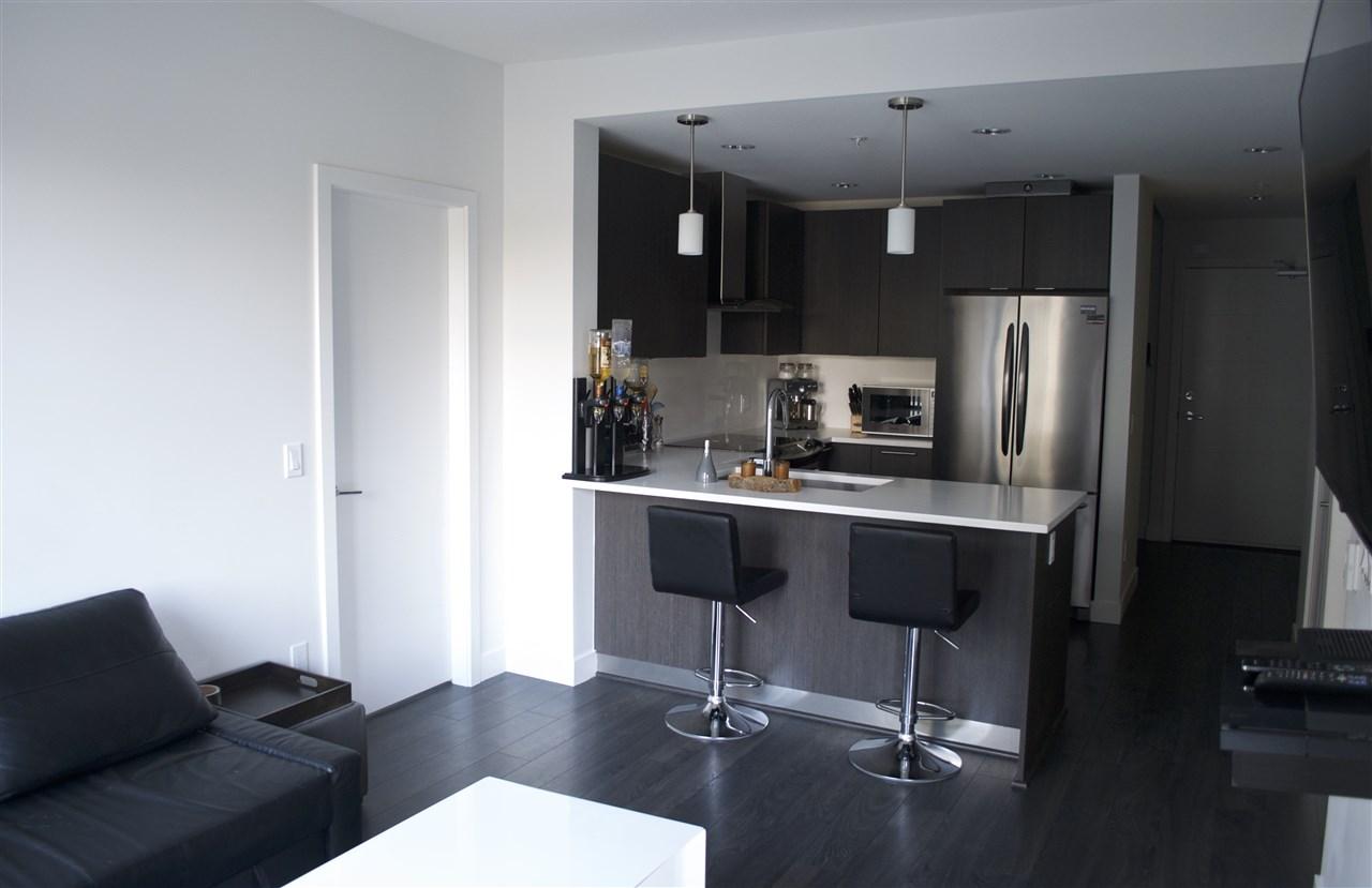 Condo Apartment at 517 733 W 3RD STREET, Unit 517, North Vancouver, British Columbia. Image 6