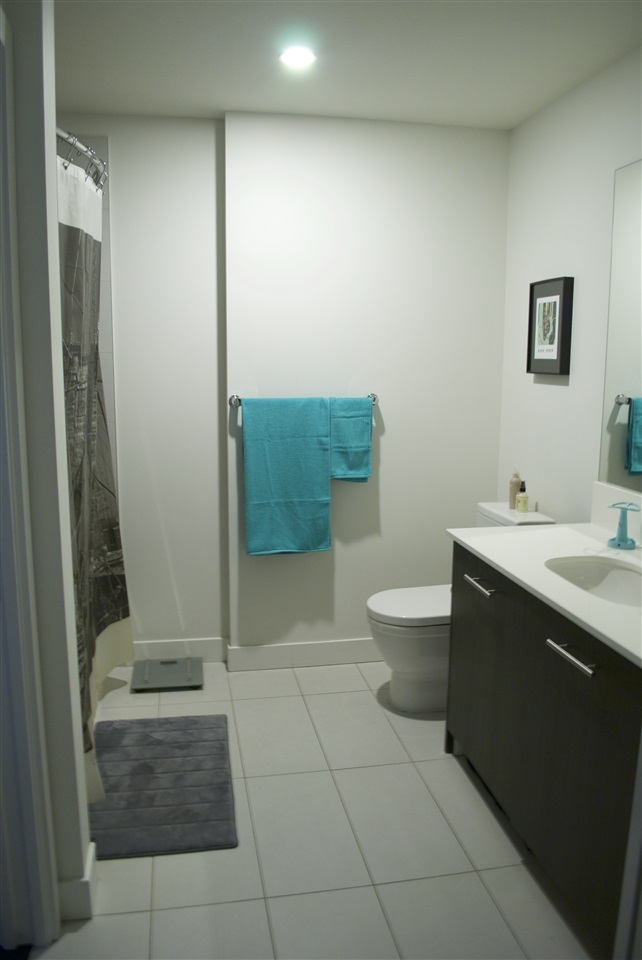 Condo Apartment at 517 733 W 3RD STREET, Unit 517, North Vancouver, British Columbia. Image 9