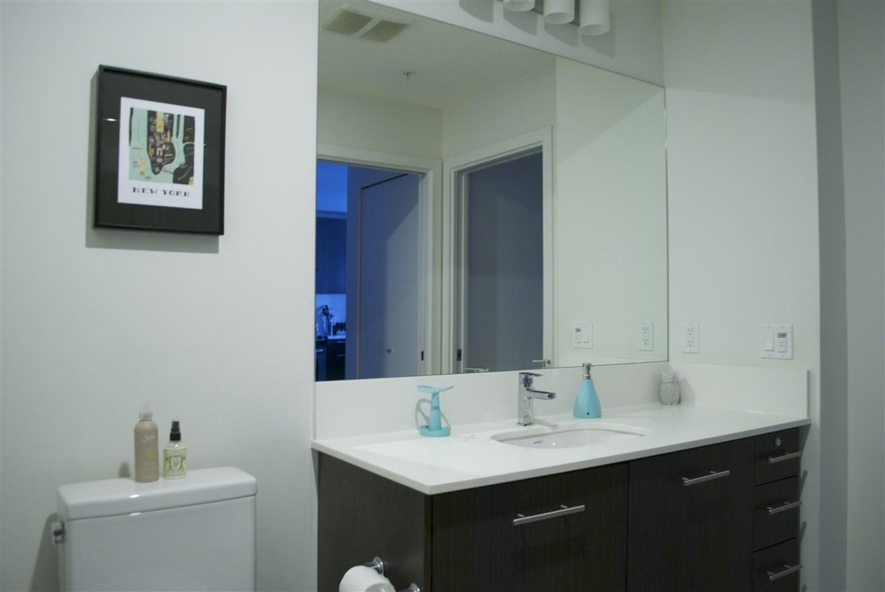 Condo Apartment at 517 733 W 3RD STREET, Unit 517, North Vancouver, British Columbia. Image 10