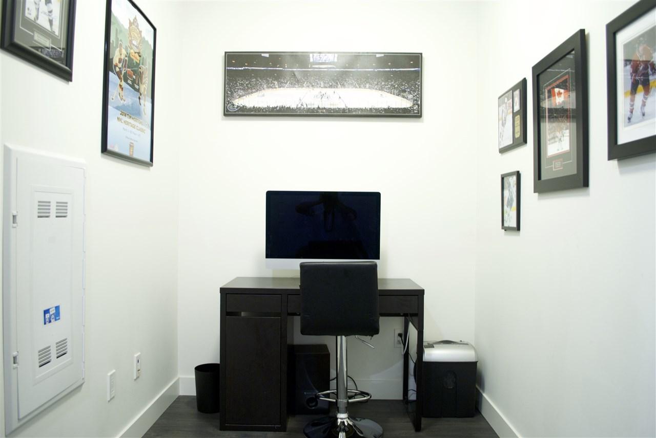 Condo Apartment at 517 733 W 3RD STREET, Unit 517, North Vancouver, British Columbia. Image 11