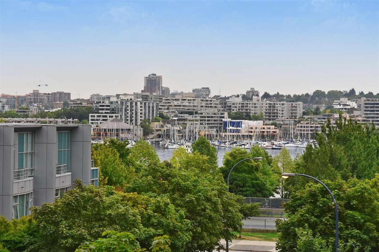 Condo Apartment at 603 428 BEACH CRESCENT, Unit 603, Vancouver West, British Columbia. Image 1