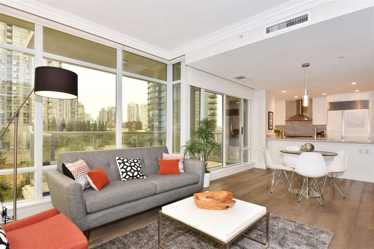 Condo Apartment at 603 428 BEACH CRESCENT, Unit 603, Vancouver West, British Columbia. Image 4