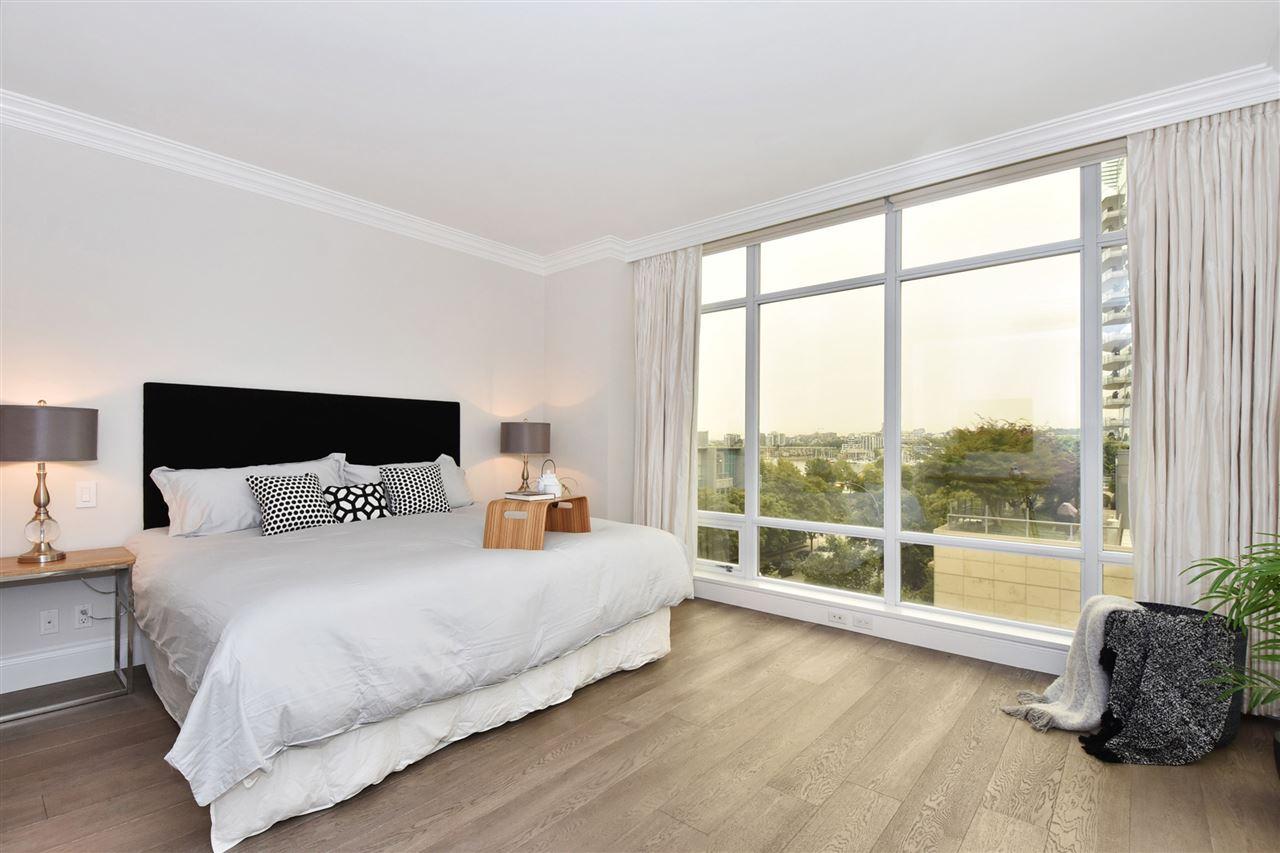 Condo Apartment at 603 428 BEACH CRESCENT, Unit 603, Vancouver West, British Columbia. Image 9