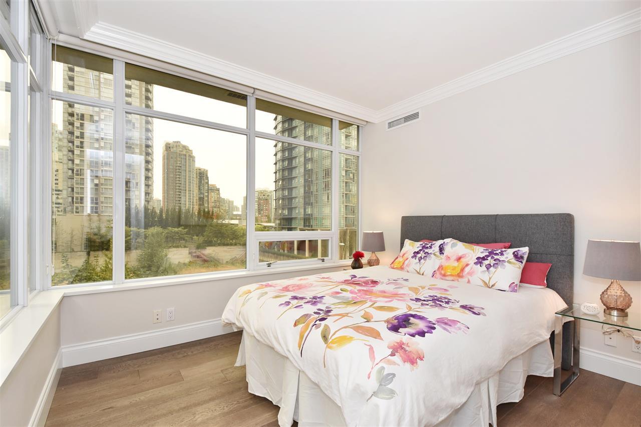 Condo Apartment at 603 428 BEACH CRESCENT, Unit 603, Vancouver West, British Columbia. Image 13