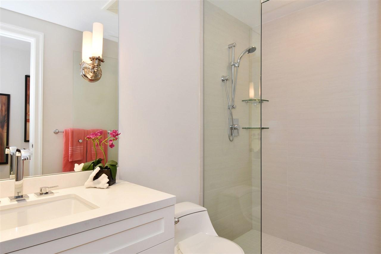 Condo Apartment at 603 428 BEACH CRESCENT, Unit 603, Vancouver West, British Columbia. Image 14