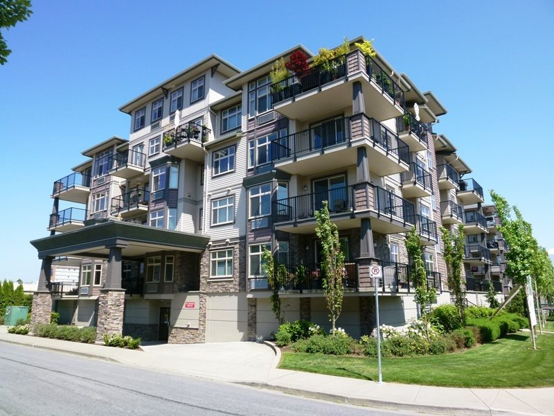 Condo Apartment at 304 9060 BIRCH STREET, Unit 304, Chilliwack, British Columbia. Image 1