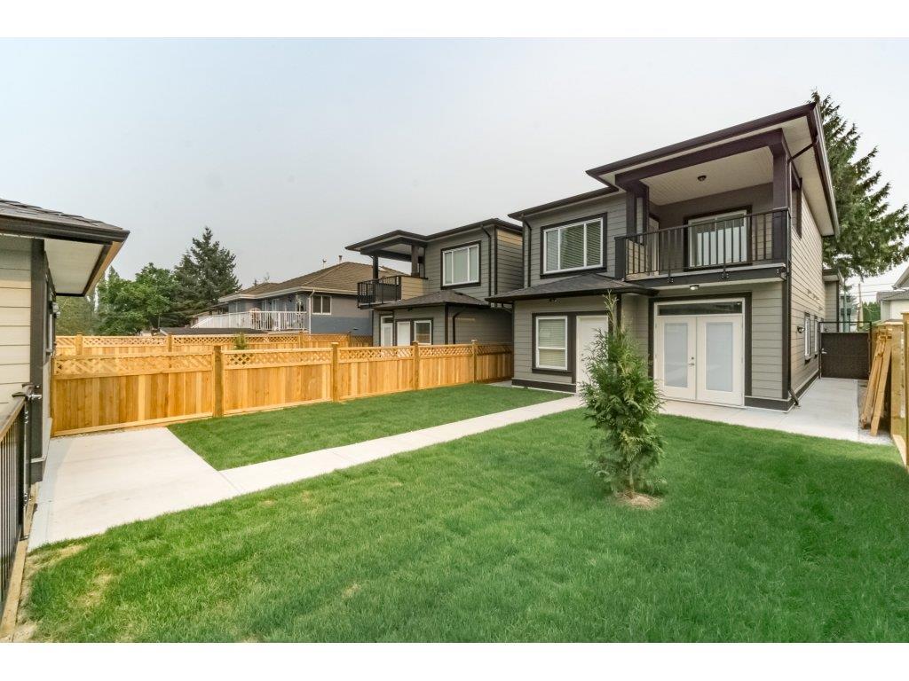 Half-duplex at 8231 16TH AVENUE, Burnaby East, British Columbia. Image 18