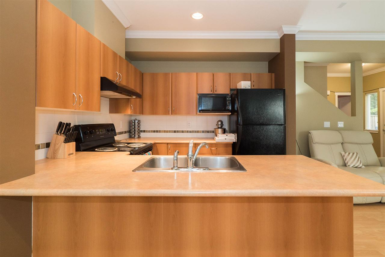 Townhouse at 5 12677 63 AVENUE, Unit 5, Surrey, British Columbia. Image 11