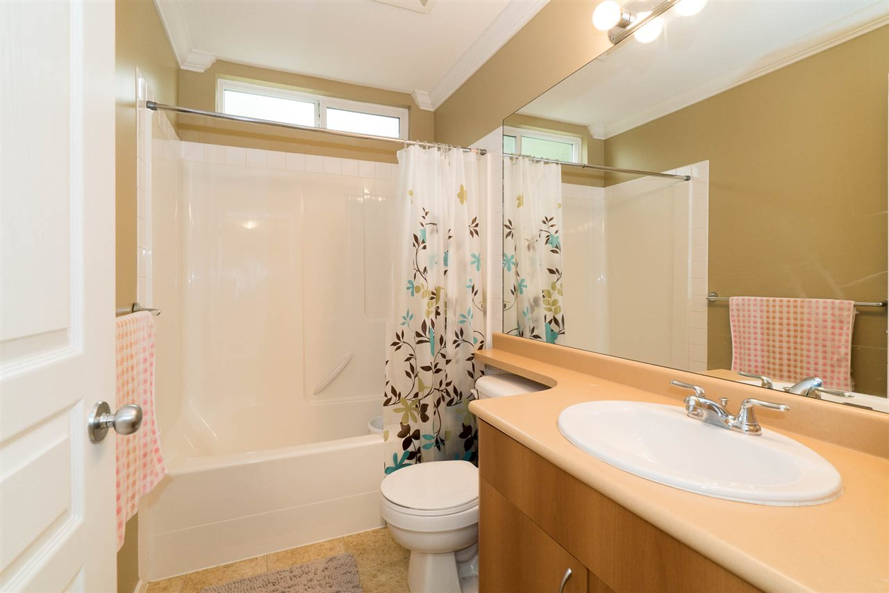 Townhouse at 5 12677 63 AVENUE, Unit 5, Surrey, British Columbia. Image 15