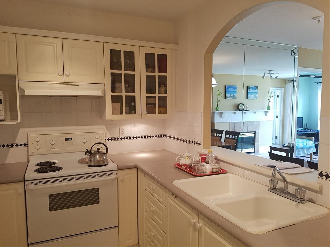 Condo Apartment at 317 5900 DOVER CRESCENT, Unit 317, Richmond, British Columbia. Image 5